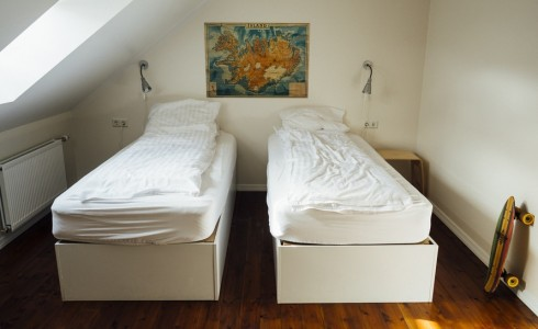 iceland-hotel-bedroom-hostel-large